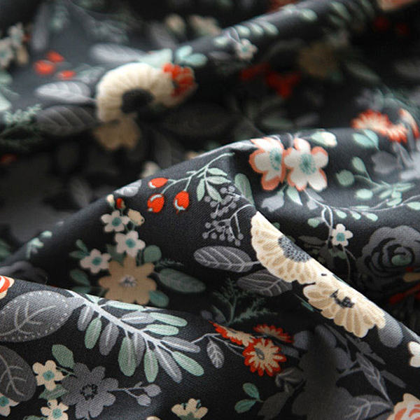 綿20数平織り - ブルーミングガーデンブラックベリー